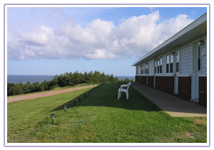 Cabot Trail Accommodation - Meet the friendly people at Burton's Sunset Oasis Motel for warm unforgettable vacation.